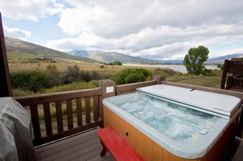 Rental jacuzzi at Lakeside Resort Properties.