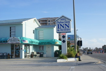 Exterior view of Daytona Shores Inn and Suites