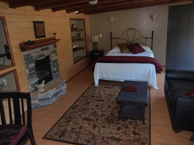 King Suite at Hood Canal Cottages.