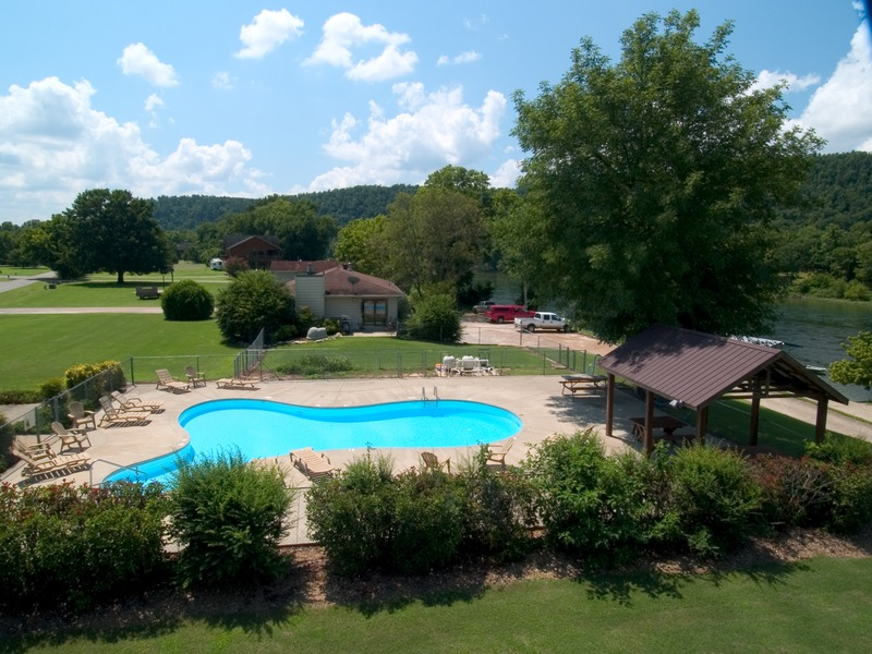Outdoor pool at Norfork Resort & Trout Dock.
