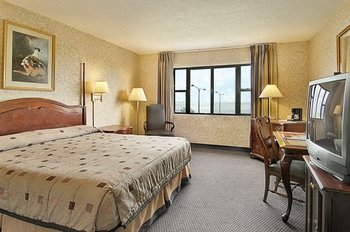 Guest room at Ramada Inn Lake Shore - Chicago.
