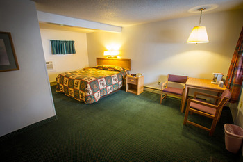 Guestroom at Northern Pine Inn