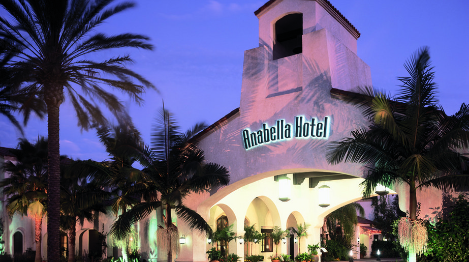 Exterior view of Anabella Hotel.