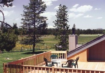 ice views and evening stargazing are popular on this 600 sq ft deck. Central Oregon is known for clear skies. DiamondStone has no traffic or streetlights; see the milky way.