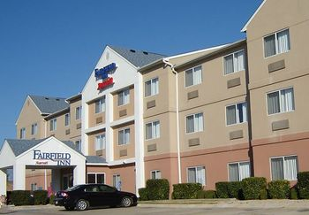 Exterior view of Fairfield Inn Temple.