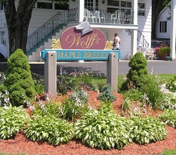 Entrance to Wolff's Maple Breeze Resort