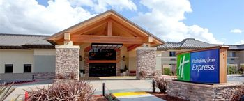 Exterior View of Holiday Inn Express Walnut Creek