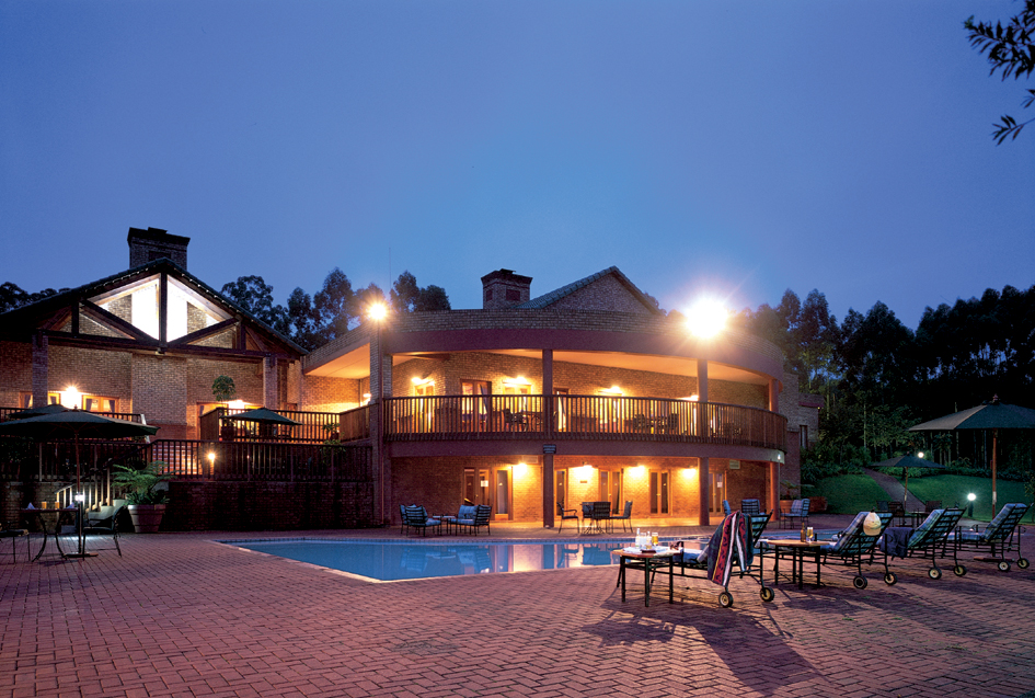 Exterior view of Greenway Woods Golf Resort.