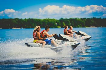 Jet skiing at Grand View Lodge.