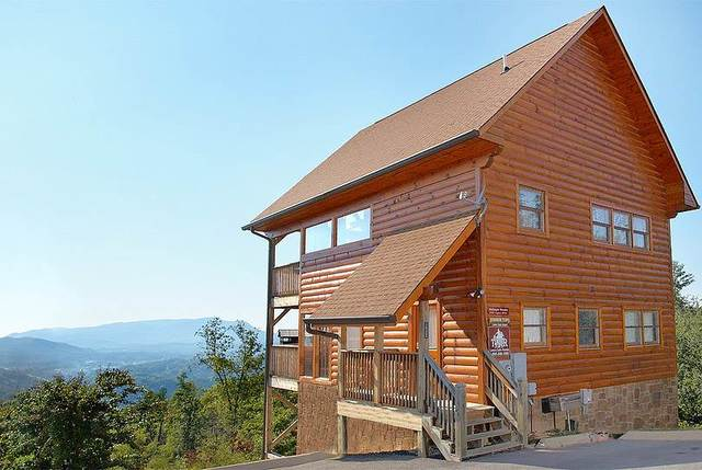 Timber tops luxury cabin rentals pigeon forge tn for Large cabin rentals in tennessee