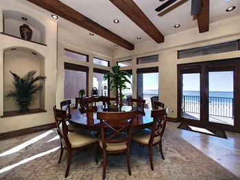 Vacation in a beachfront home with Southern Vacation Rentals and enjoy the view of the Gulf of Mexico!