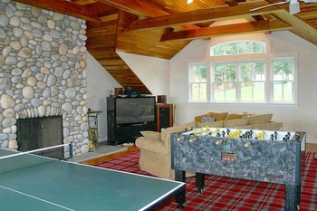 Vacation rental recreation room at Stowe Country Homes.