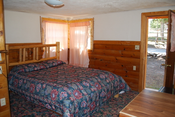 King Bed at Mack's Inn