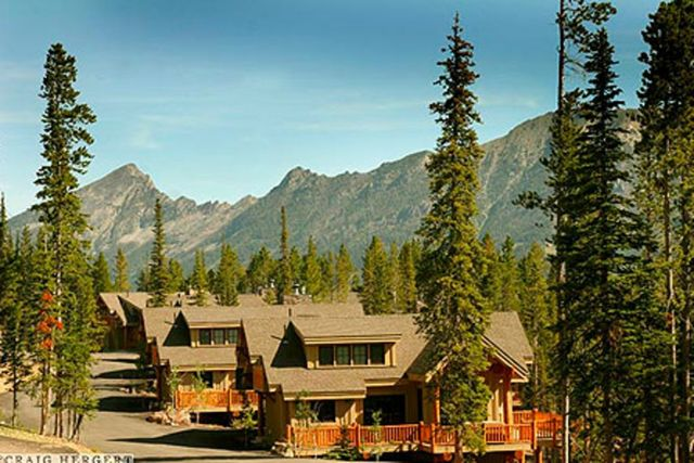 Big sky vacation rentals house mountain homes in big sky montana at moonlight lodging in - Alpine vacation houses ...