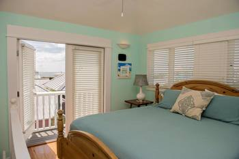 Guest room at Paradise Properties Vacation Rentals & Sales.