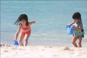 Kids on beach at Havasu Springs Resort.