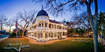 Exterior view of Gruene Mansion Inn.