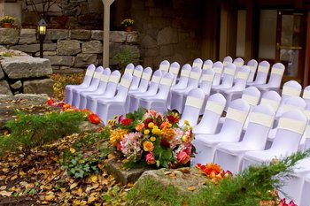 Outdoor wedding at The Heritage Hotel.
