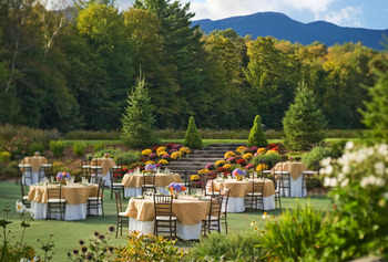 Summer wedding at Topnotch Resort.
