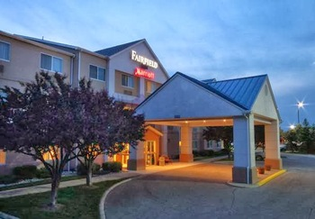Exterior view of Fairfield Inn Bay City.