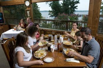 Family dining at Mountain Harbor Resort & Spa.