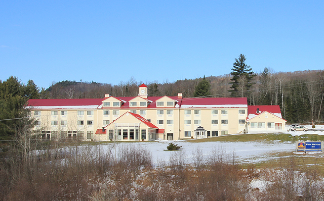Exterior view of Best Western White Mountain Inn.