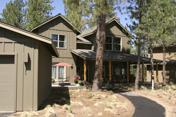 Exterior of the RiverWild Forest Homes at Mount Bachelor Village Resort.