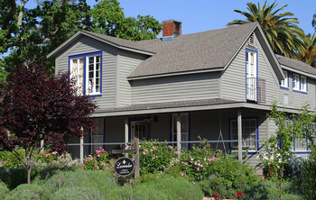 Exterior view of Lavender, A Four Sisters Inn.