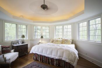 Vacation rental bedroom at Beach Combers Vacation Rentals.