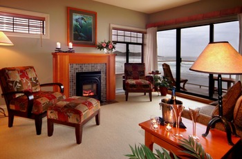 Guest living room at Long Beach Lodge Resort.