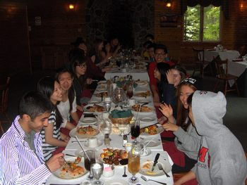 Family dining at Northridge Inn & Resort.