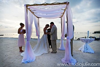 Wedding ceremony at Sunset Key Guest Cottages.