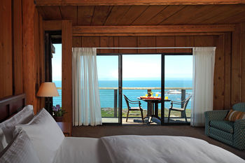 Luxurious Guest Rooms at Timber Cove Inn