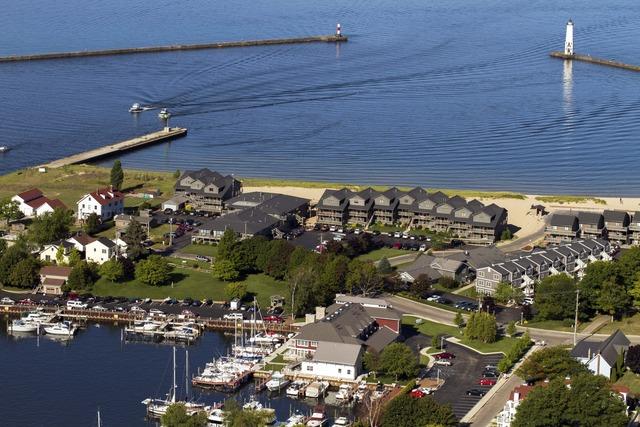 Aerial view of Harbor Lights Resort