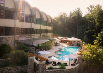 Welcome to Sundara Inn & Spa