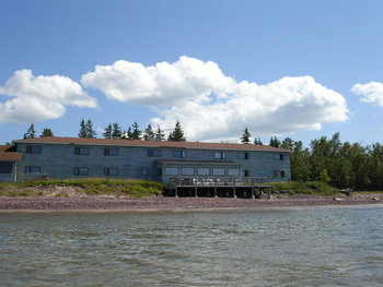 Exterior View of Eagle River Inn