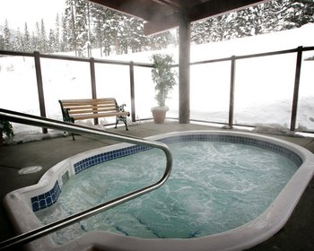 Hot tub at Cahilty Lodge.