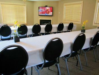 Meeting room at Appeldoorn's Sunset Bay Resort.