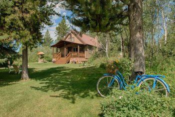 Exterior view of Grandma's Cabin.