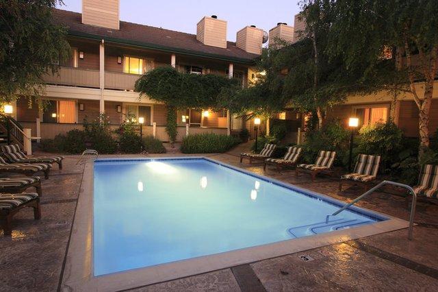 Outdoor pool at Sonoma Valley Inn, Best Western Plus.