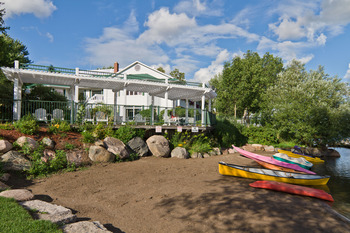 Exterior view of Elmhirst's Resort.