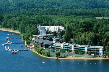 Aerial view of Cragun's Resort.