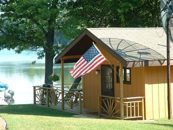 Cabin exterior at Clear Lake Resort.