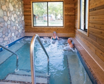 Hot tub at Hiawatha Beach Resort.