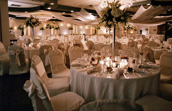 One of a kind weddings at Ascend Hotel Collection-The Woodlands Inn.