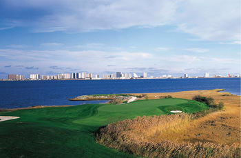Golf course near Plim Plaza Hotel Ocean City.