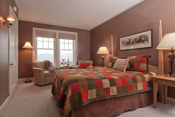 Guest Room at The Mountain Top Inn & Resort