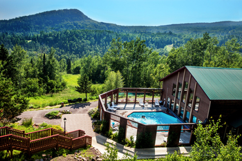 Exterior view of Eagle Ridge at Lutsen Mountains.