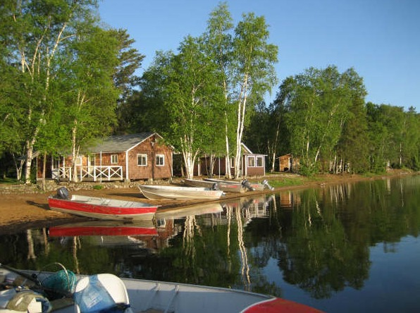Sandy beach lodge red lake ontario resort reviews for Ontario canada fishing resorts