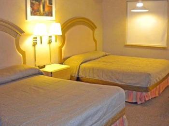 Double bedroom at Hillside Inn at Killington.
